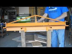 Homemade tools vice mounted sheet metal brake or bender Sheet Metal Bender, Sheet Metal Brake, Sheet Metal Tools, Metal Working Machines, Metal Working Tools, Metal Projects, Welding Projects, Welding Gear, Welding Table