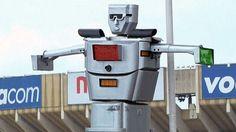 kinsasha robots agents de la circulation 1   Les robots agents de la circulation de Kinshasa [video]   video trafic robot police photo kinsh...