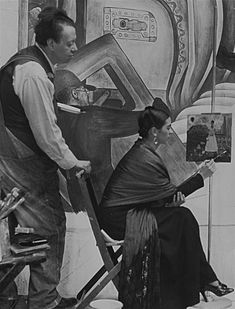 DETROIT, MI- In April of 1932 Diego Rivera and Frida Kahlo arrived in Detroit. They would spend almost a year here as Rivera created the Detroit Industry murals. The murals were to cover the walls of a then a. Frida E Diego, Diego Rivera Frida Kahlo, Frida Art, Famous Artists, Great Artists, Natalie Clifford Barney, Detroit, Atelier Photo, Clemente Orozco