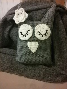 Pöllö Baby Shoes, Throw Pillows, Kids, Clothes, Fashion, Young Children, Outfits, Moda, Toss Pillows