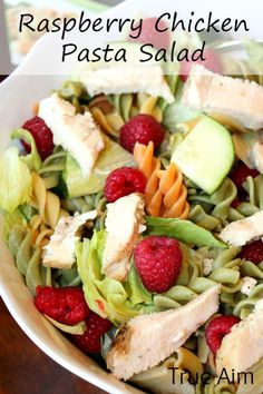 Raspberry chicken pasta salad with poppy seed dressing #RonzoniSummer #Pmedia #ad