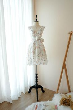 Robes D'inspiration Vintage, Vintage Party Dresses, Vintage Inspired Dresses, Extravagant Wedding Dresses, Anniversary Dress, Summer Bridesmaid Dresses, White Floral Dress, Beautiful, Etsy