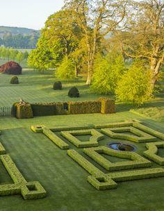 Private Gardens of England: Tania Compton: 9781472121011: Amazon.com: Books
