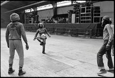 Bob Marley and the Wailers play soccer at a stadium in Brussels, during the Exodus Tour. Belgium, May 1977 Bob Marley Legend, Reggae Bob Marley, Bob Marley Pictures, Robert Nesta, Nesta Marley, Jamaican Music, Soccer Pictures, The Wailers, Play Soccer