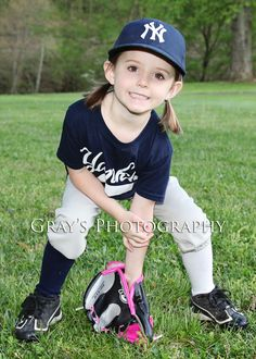 Little League Tball picture pose by Gray's Photography