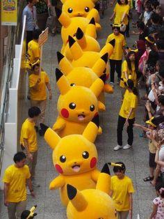 """Choáng ngợp với cuộc """"hành quân"""" của 1.000 chú Pikachu tại Nhật Bản - Kenh14.vn"""