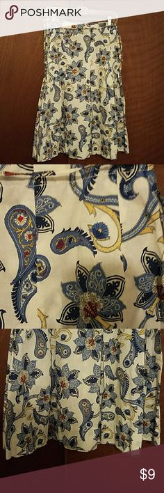 Tommy Hilfiger skirt Paisley print skirt by Tommy Hilfiger. Fun pattern! Deep pleats, zips on the side, string belt that could be taken off. 26 inches long. Small spots on front of skirt-had nor noticed them until now!! Pricing accordingly! Tommy Hilfiger Skirts A-Line or Full