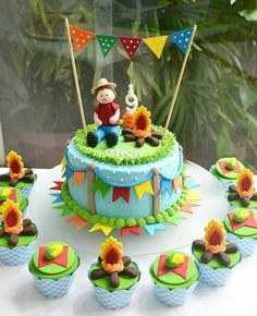 Cupcakes, Cupcake Cakes, Bolo Elsa, Cakes For Boys, Cake Kids, Foundant, Birthday Cake, Birthday Parties, Cake Designs