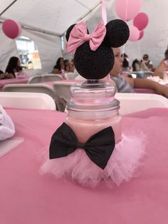Minnie Mouse Table, Minnie Mouse First Birthday, Minnie Mouse Baby Shower, Mickey Minnie Mouse, 1st Birthday Decorations, Birthday Centerpieces, Baby Shower Centerpieces, Birthday Party Design, 2nd Birthday Parties
