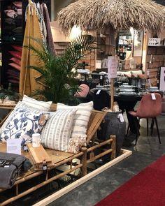 """Designerhome_norge on Instagram: """"Vi er stolte av å bli nominert til beste stand på boligmessen🙌🏻 Du finner oss på stand K-17! Håper vi ser deg der❤️"""" Outdoor Furniture, Outdoor Decor, Throw Pillows, Bed, Home Decor, Toss Pillows, Decoration Home, Cushions, Stream Bed"""