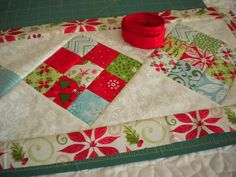 Nine Patch Table Runner - simple, quick - last minute gift - PRETTY!  Free tutorial