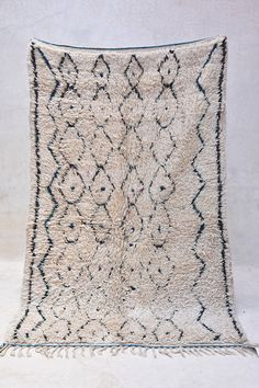MOROCCAN VINTAGE AZILAL RUG {#ZA16-35} THE AZILAL, before the 80s, was created…