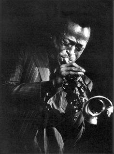Miles davis by Eugene Smith Miles Davis, Jazz Artists, Jazz Musicians, Magnum Photos, Tucson, Eugene Smith, Jazz Blues, Music Photo, Black Art