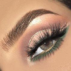Gorgeous Makeup: Tips and Tricks With Eye Makeup and Eyeshadow – Makeup Design Ideas Makeup Goals, Makeup Inspo, Makeup Inspiration, Makeup Ideas, Diy Makeup, Makeup Tutorials, Thicker Eyelashes, Longer Eyelashes, Shimmer Eyeshadow