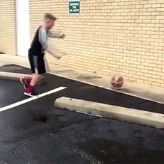 #funny #laugh #humor #hilarious #fails #gifivideo