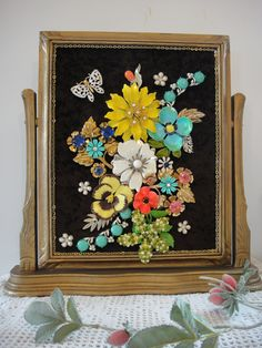 My Vintage Renewed jewelry art is uniquely crafted using many pieces of vintage jewelry. They are housed in antique frames and come in abeautiful gift box for gift giving and storage. Holiday Trees...