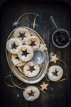 Linzer Cookies With Quince Paste