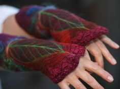 Gefilzte Stulpen Gefilzte Handschuhe von FeuerUndWasser auf Etsy