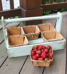 Vintage strawberry picking tote. I want! On sale at Etsy.