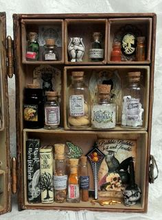 Artfully Musing: HOCUS POCUS INSPIRED BOOK APOTHECARY - VIDEO TUTORIAL