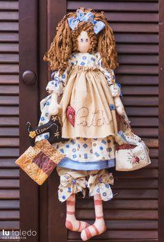 Boneca Felicia - kit completo - Casinha de Bonecas Raggedy Ann And Andy, Sewing Dolls, Fabric Dolls, Handmade Crafts, Handmade Dolls, Doll Patterns, Doll Toys, Art Dolls, Doll Clothes