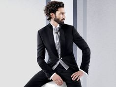 Found on Bing from www. Trendy Mens Fashion, Mens Fashion Suits, Mens Suits, Mode Masculine Fashion, Style Costume Homme, Blazers, Dapper Men, Jackett, Classic Outfits