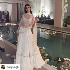 Indian Bridal Outfits, Pakistani Bridal Dresses, Indian Designer Outfits, Pakistani Suits, Indian Attire, Indian Ethnic Wear, Lehenga Designs Simple, Indian Lehenga, Punjabi Lehenga