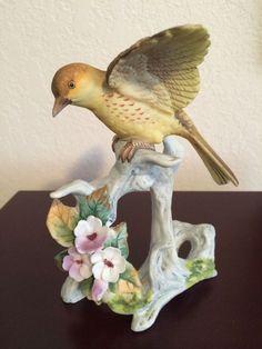 Lefton Porcelain Bird Figurine KW 440 Made In Japan