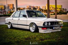 Bmw E28, E30, Modern Classic, Classic Cars, Porsche, Audi, Bmw Cars, Manual Transmission, Old Skool