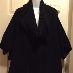 Express cowl neck oversized sweater Express oversized cowl neck sweater/size m/ fits big / can fit l or xl if you not going for the oversize look/ great with jeans or leggings/ worn once/ good condition Express Sweaters Cowl & Turtlenecks