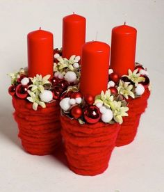 Sweet home : Christmas time! Christmas Advent Wreath, Christmas Gift Baskets, Christmas Flowers, Christmas Candles, Christmas Time, Christmas Crafts, Diy Hanukkah, Hanukkah Decorations, Christmas Arrangements