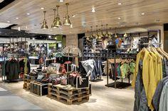 Tayler multi label concept by Kplus Konzept, Leipzig Germany fashion Mall Design, Retail Store Design, Design Blog, Retail Shop, Window Display Design, Shoe Display, Shop Window Displays, Retail Fixtures, Store Fixtures