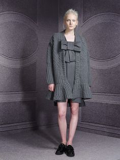 http://www.fashionsnap.com/collection/viktorrolf/woman/2014-15aw-pre/gallery/index8.php