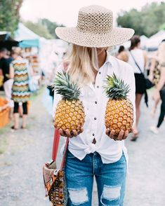 Local guide to the Byron Bay Markets. Plan your trip today to stay in Byron and discover the freshest locally grown produce and creativity Byron Bay Beach, The Byron, Get Skinny, It Goes On, May 1, Summer Of Love, Summer Days, Summer Vibes, Vintage Denim