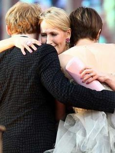Rupert, Rowling & Emma <3 in the premier of Harry Potter and The Deathly Hallows part 2~UK