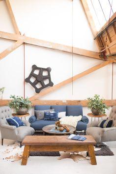Loft inspired living room decor: http://www.stylemepretty.com/vault/gallery/26862