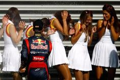 The essence of racing. Formula 1 Girls, Formula One, Series Formula, Grid Girls, Sport Girl, Cheer Skirts, Racing, Terra, Image
