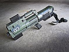 6 nerf deploy pulse rifle mod by meandmunch Fifteen Custom Built Recycled Nerf Guns Nerf Longshot, Nerf Mod, Punisher, Arma Nerf, Modified Nerf Guns, Sci Fi Weapons, Cosplay Weapons, Paintball, Firearms