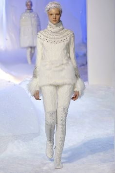 Moncler Gamme Rouge Fall 2013 RTW - Review - Fashion Week - Runway, Fashion Shows and Collections - Vogue - Vogue