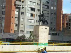 Monumento a San Martin en centro Internacional de Bogota
