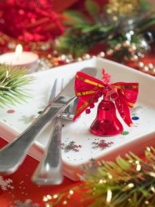 Here are quite a bit of #Healthy #Holiday #Recipes that will making surviving the holidays easy (and delicious).