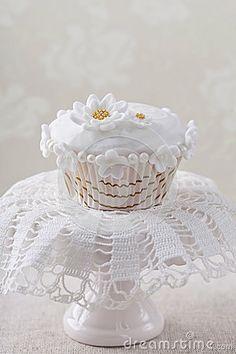 White Flower Cupcake