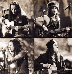 @PearlJam - MTV Unplugged, 1992 pic.twitter.com/Xu2GB2dNqk