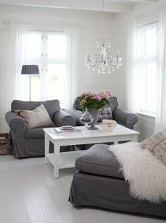 Light grey walls, dark grey couch, white coffee table?  20 fantastic grey living rooms #LivingRoom #GreyLivingRoom