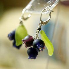 Blueberries lampwork earrings, indigo earrings, berries earrings, violet green earrings, dark blue earrings, berry earrings, nature earrings