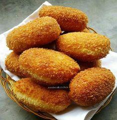 1 btr kuning telur ml susu cair dingin sejumput garam Bahan Easy Cookie Recipes, Donut Recipes, Bread Recipes, Cake Recipes, Dessert Recipes, Cooking Recipes, Cooking Time, Drink Recipes, Pastry And Bakery
