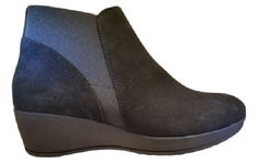 Barminton ankle boot 2044 via ollyander.com. Click on the image to see more!