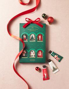 Christmas Hamper, 3d Christmas, Christmas Design, Christmas Photos, Xmas, Box Packaging, Fruit Packaging, Christmas Campaign, Cosmetic Design