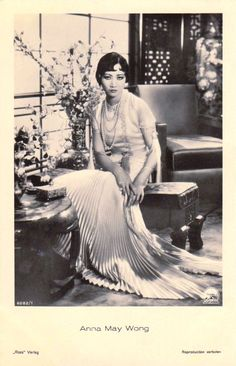 Anna May Wong, Oh sooo sexy 👄💄💋❤️💚 Old Pictures, Old Photos, Vintage Photos, Old Hollywood Glamour, Vintage Hollywood, 1920s Outfits, Vintage Outfits, Divas, Anna May