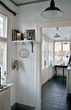 √ Farmhouse Laundry Rooms With Smart Organized Setup - When you're something like me then the laundry room is almost definitely among the many least favourite rooms in your entire residence. Cottage Living, Home Living, Cottage Style, Farmhouse Style, Farmhouse Decor, Halls, Cosy Home, White Cottage, Sweet Home